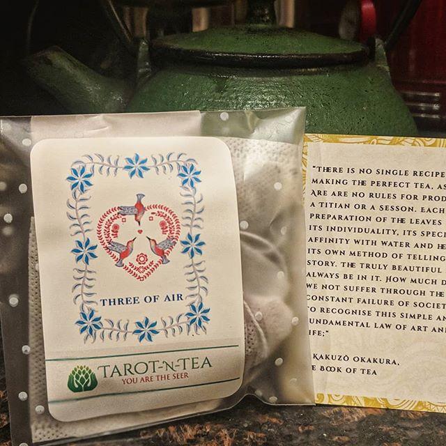 Three of Air Tea~~~Thanks for the delicious sample @tarot.n.tea ❣️ #teamug #tea #teabrewing #teasteepingfun #tarotntea #angeltea #threeofairtea #threeofair #teasamples #teasample #tealeaves #teaofinstagram #teacommunity #teatribe #springtea #janeausten #janeaustenmug #janeaustentea #teawithjaneausten #teawithjane