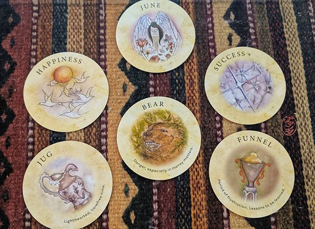 Tarot Poem (和歌)~~~June's perfumed wings,find happiness on the wind.The heart, a vessel - filled, carefree...growling bears menace from belowFunnel frustrations; lesson to successDeck: Tea Leaf Fortune CardsCopyright:  Curanderakraft 2019#teadeck #tealeaves #tealeaffortunecards #tealeafreader #tealeafseer #tealeafreading #oracledeck #oraclecommunity #oraclereader #oraclelove #oraclecards #oraclereading #oraclelove #oracleofinstagram #tarotonline #tarotreadersofinstagram #tarotista #tarotcommunity #tarotpoetico #tarotpoetry #tarotpoet #tarotpoem #tarot #waka #haiku #tanka #poetryofinstagram #poetsofinstagram #poems #poetrycommunity